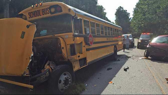 BUS-Mabry-Rd-collision