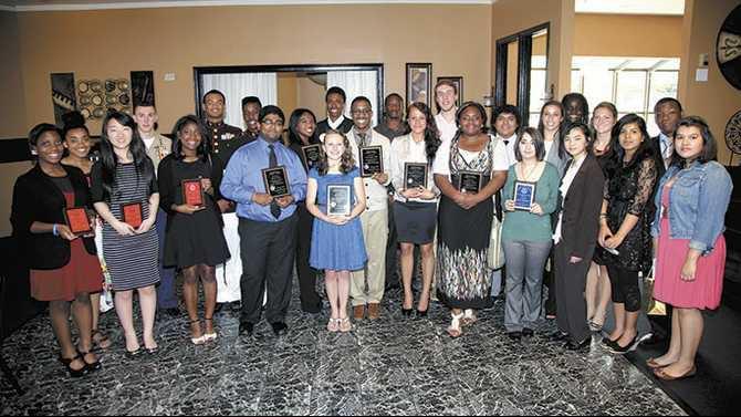 Conyers Rotary Top Seniors Award 4-24-14 IMG 6247