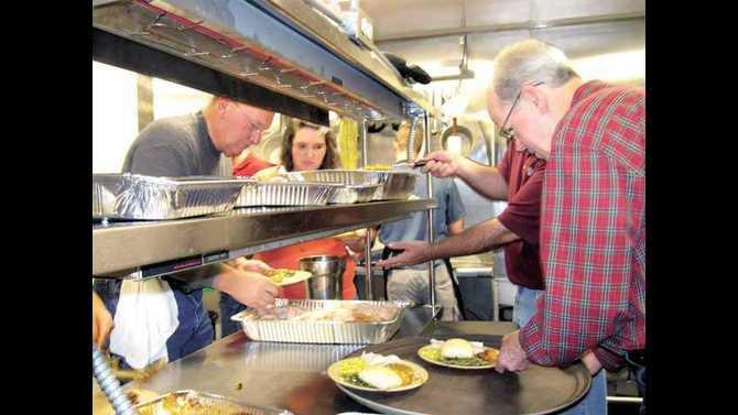 Glenns-thanksgiving-dinner 3 - Nov 2009