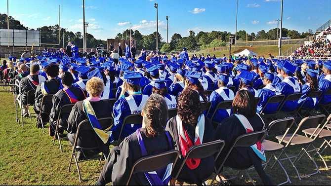 HHS-graduation-2014-DE