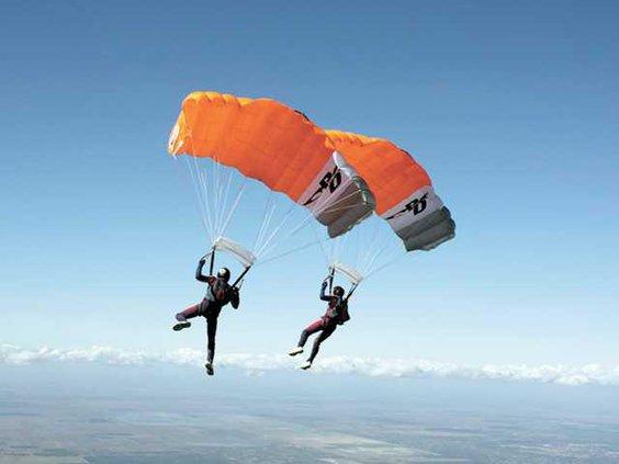 Mark-Gregory-parachuting--1