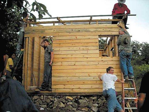 honduras-house-building
