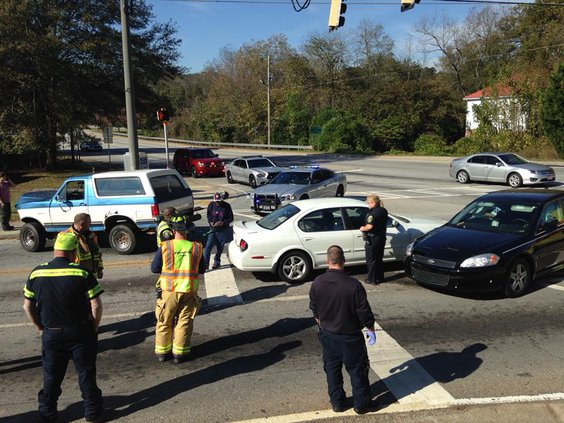 Cars collide at Emory and Washington