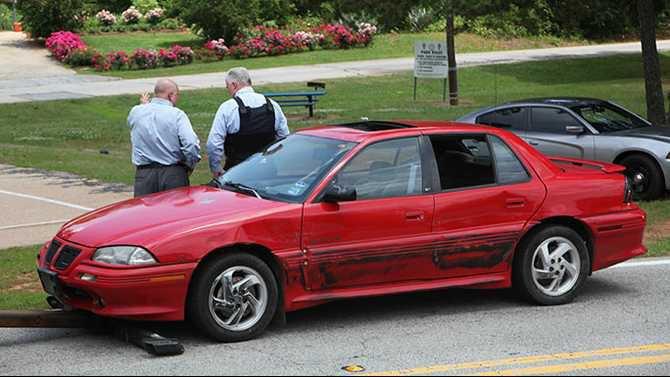 Shoplifting fleeing suspect car 5-22-13