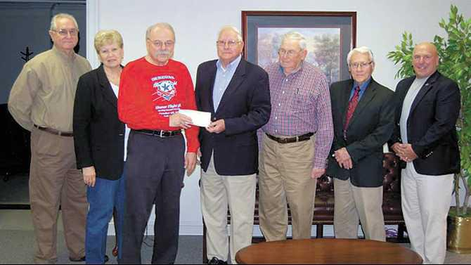 Snapping-Shoals-EMC-Donates-supports-WWII-Veterans